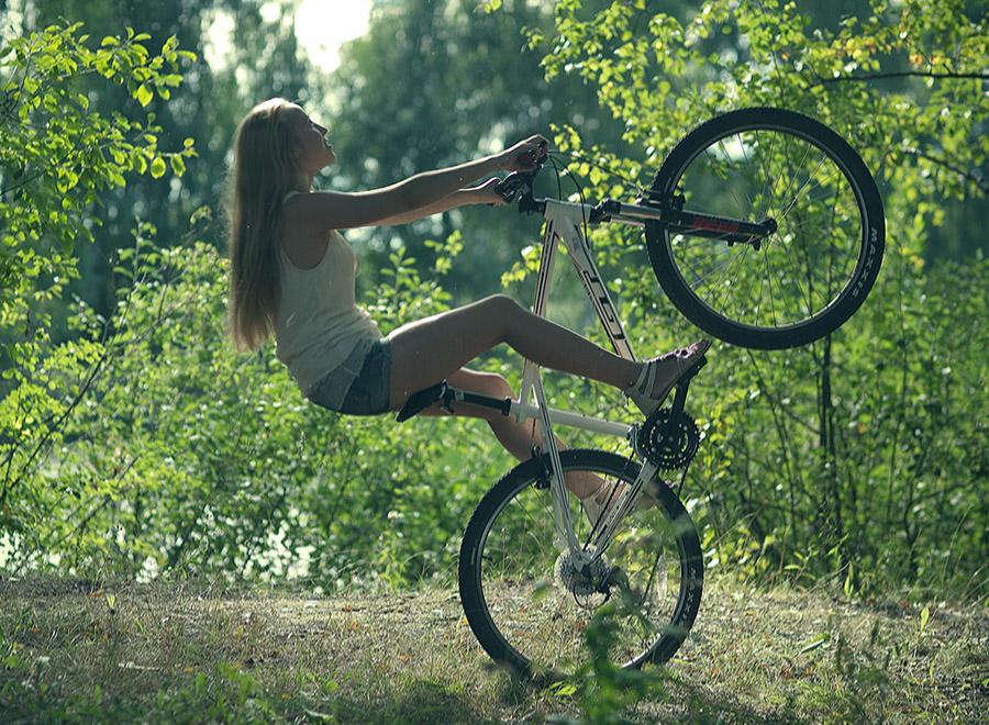 Кристиана на велосипеде (Кострома)