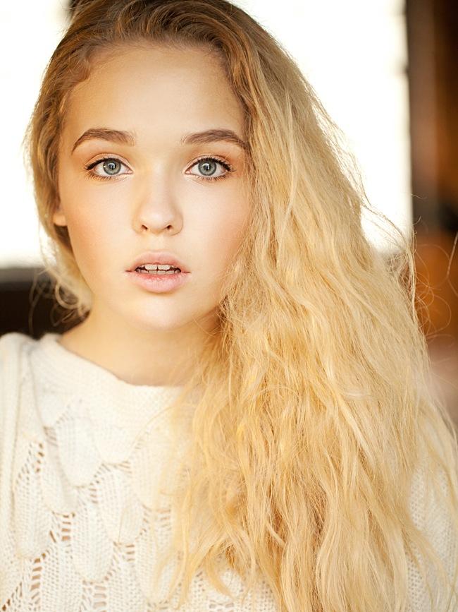 модель: Ирина Шпигарева